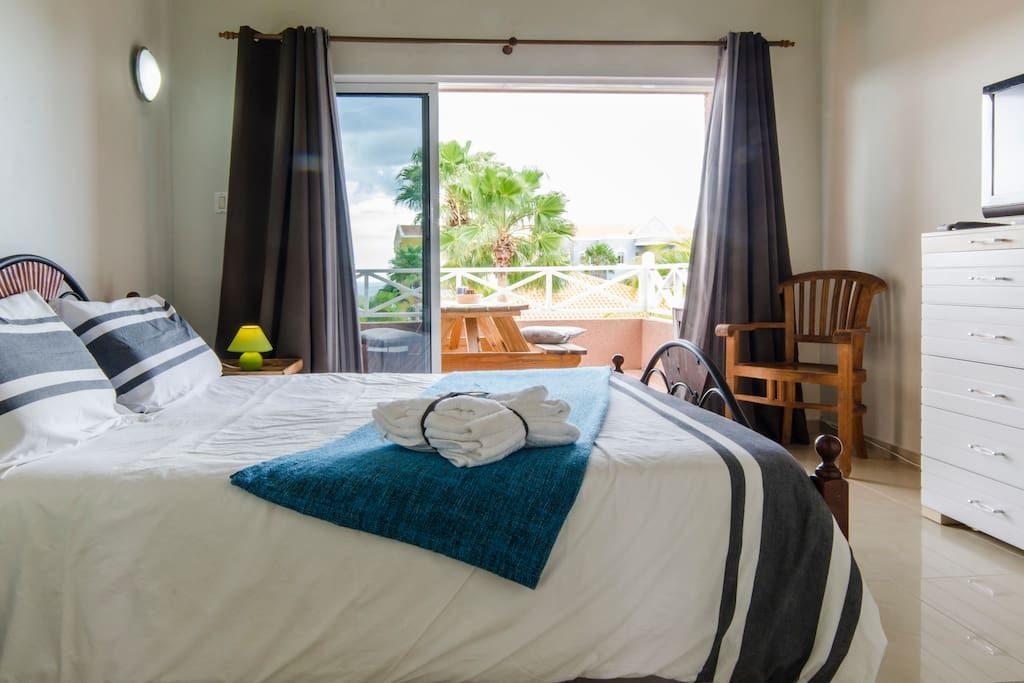 Heerlijk appartement caribbean beach resort cura ao home rentals - Gemeubileerde woonkamer ...